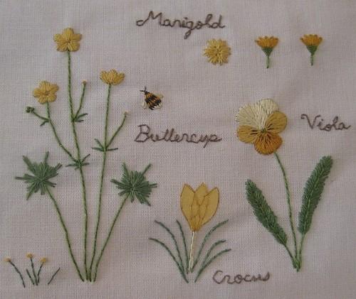 黄色の花のノート (拡大画像)